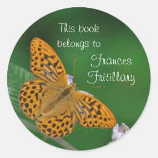 Pegatina anaranjado del bookplate de la mariposa