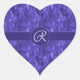Pegatina arrugado púrpura del corazón del satén