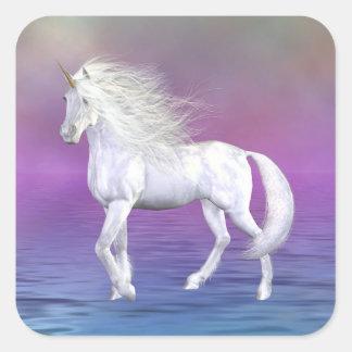 Pegatina blanco del cuadrado del unicornio de la