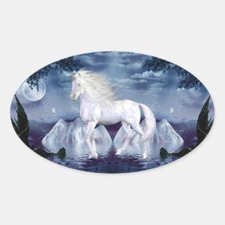 Pegatina blanco del óvalo del unicornio de la