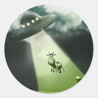 Pegatina cómico de la abducción de la vaca del UFO