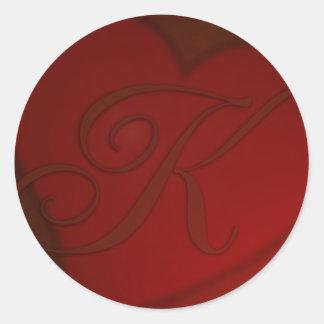 Pegatina de color rojo oscuro del monograma K del