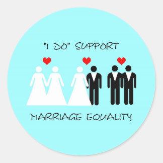 Pegatina de la igualdad de la boda de la ayuda - r