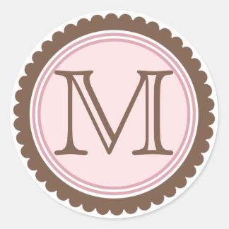 Pegatina de la inicial del monograma del rosa del