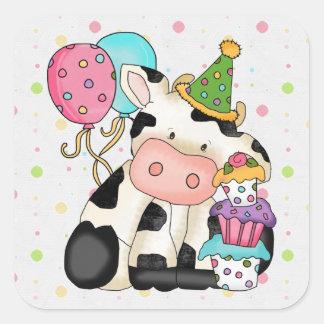 Pegatina de la vaca del cumpleaños