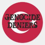 Pegatina de los negadores del genocidio