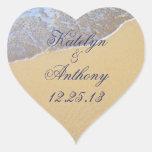 Pegatina del boda del amor de la orilla o etiqueta