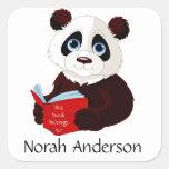 Pegatina del Bookplate de la panda de la lectura