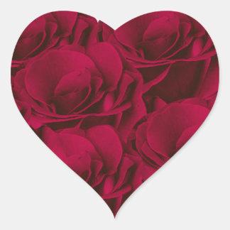 Pegatina del corazón de los rosas rojos