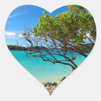 Pegatina del corazón de St. John de la bahía del