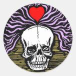 Pegatina del cráneo del amor