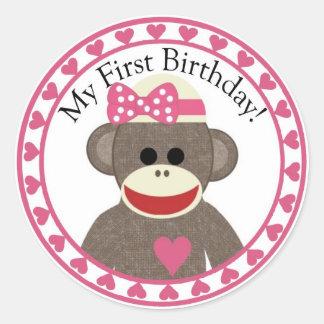 Pegatina del cumpleaños del chica del mono del