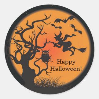 Pegatina del feliz Halloween de la bruja del vuelo