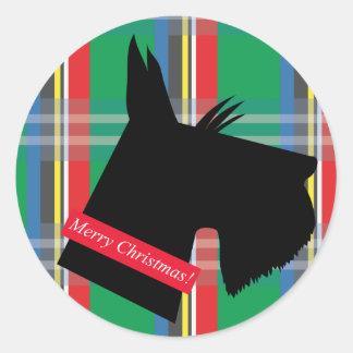 Pegatina del navidad de la tela escocesa del perro