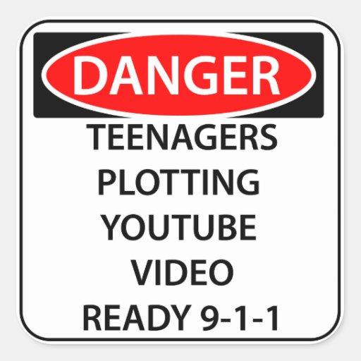 Pegatina del peligro de la comedia - adolescentes