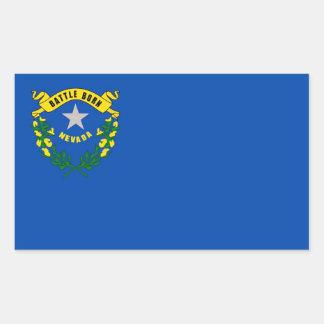 Pegatina del rectángulo con la bandera de Nevada,