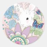Pegatina floral rosado del conejo