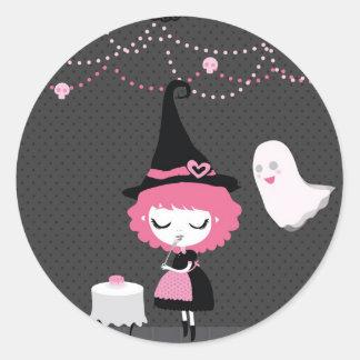 Pegatina lindo rosado de la bruja y del fantasma