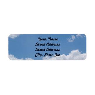 Pegatina nublado del remite del fondo del cielo etiquetas de remite