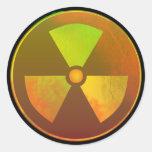 Pegatina nuclear radiactivo agrietado del símbolo