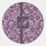 Pegatina púrpura elegante con el monograma