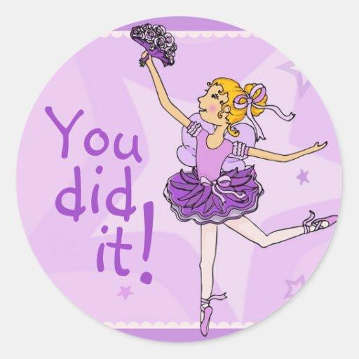 Pegatina púrpura y de oro de la bailarina del