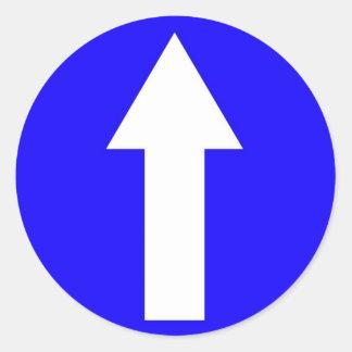 Pegatina redondo con a continuación solamente la f