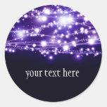 Pegatina redondo de las estrellas púrpuras el chis