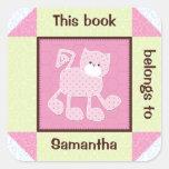 Pegatina rosado acolchado del libro del gato