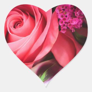 Pegatina rosado del corazón de los rosas y de las