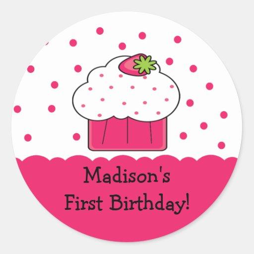 Pegatina rosado del feliz cumpleaños de la magdale