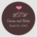 Pegatina rosado del monograma del boda del corazón
