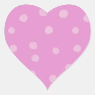 Pegatina rosado pintado del corazón de los puntos