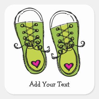 Pegatina verde de las zapatillas de deporte