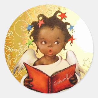 Pegatinas afroamericanos del navidad del ángel del pegatina redonda