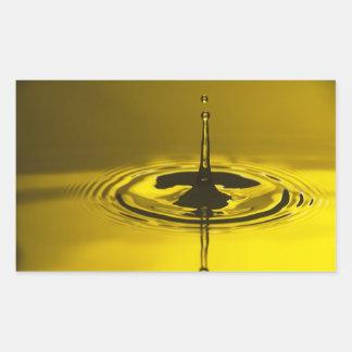 Pegatinas amarillos de la gotita de agua pegatina rectangular