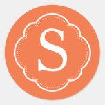 Pegatinas anaranjados del monograma etiqueta redonda