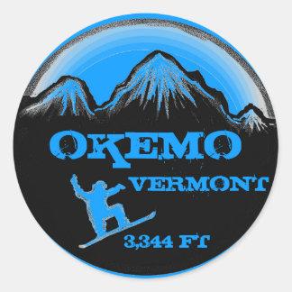 Pegatinas azules del arte de la snowboard de Okemo Pegatina Redonda