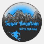 Pegatinas azules del esquí de Carolina del Norte Pegatina Redonda