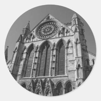 Pegatinas blancos y negros de la catedral de la pegatinas redondas