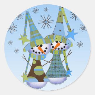 Pegatinas caprichosos de los muñecos de nieve etiquetas redondas