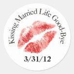 Pegatinas casados beso de la vida adiós etiquetas redondas