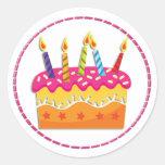 Pegatinas coloridos de la torta de cumpleaños etiqueta redonda