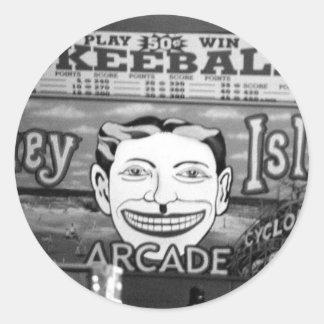 """pegatinas de """"50c Skeeball"""" Pegatina Redonda"""