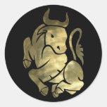 Pegatinas de Bull del tauro del oro Pegatina Redonda
