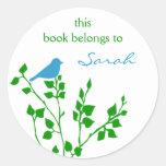 Pegatinas de encargo del Bookplate del pájaro en a Etiquetas Redondas