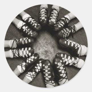 Pegatinas de Ghillies de la danza del irlandés Pegatina Redonda