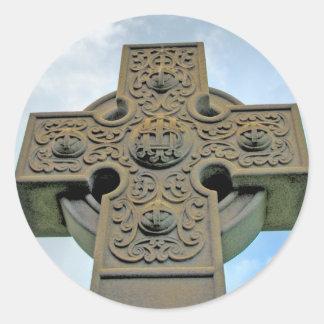 Pegatinas de la cruz céltica pegatina redonda