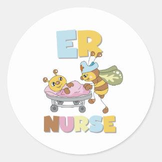 Pegatinas de la enfermera del ER de la abeja Etiquetas Redondas