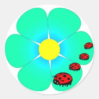 Pegatinas de la flor y de las mariquitas pegatina redonda